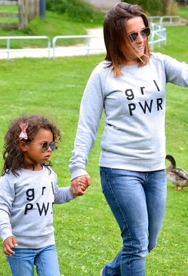 sweater grl pwr / adults